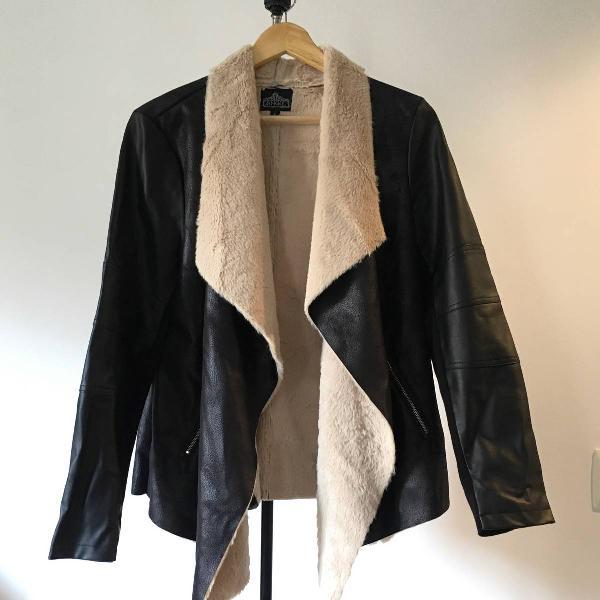 Casaco couro ecológico bem fashion e quentinho
