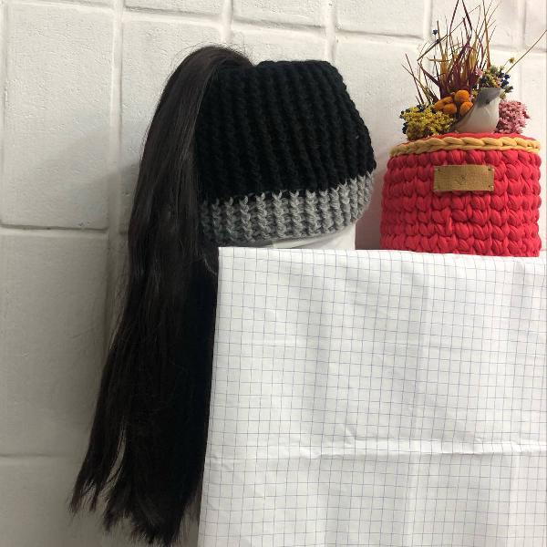 Touca ponytail adolescente