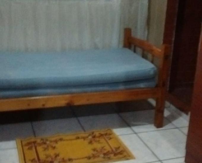 Aluga_se quartos mobiliado, com banheiro privativo