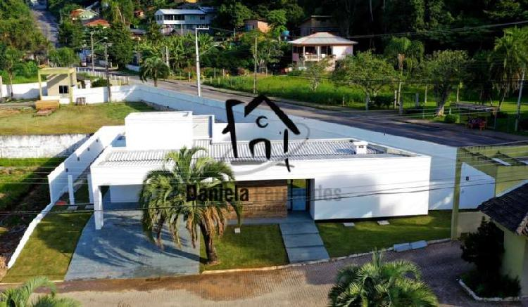 Casa com 4 quartos à venda, 190 m² por r$ 690.000 cod.