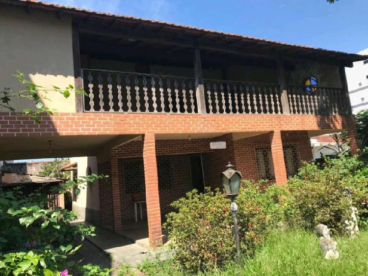 Casa com 4 quartos à venda, 240 m² por r$ 850.000 cod.