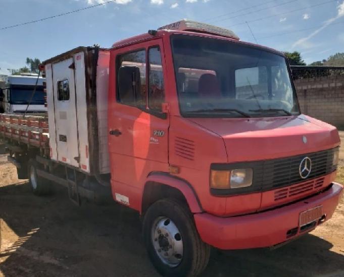 Mercedes-bens 710 4x2 ano 20112012 cabine suplementar o ú