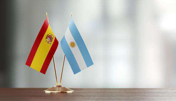 Professora de espanhol em região sul de bh