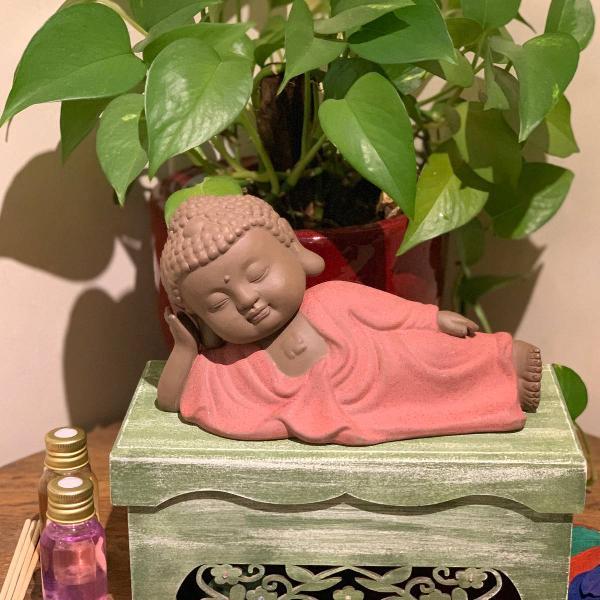 Buda de areia roxa