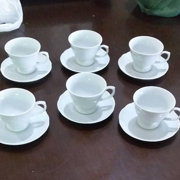 Conjunto de xícaras de café com pires porcelana branca