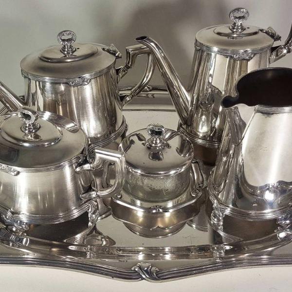 Jogo de chá e café em metal prateado, manufatura