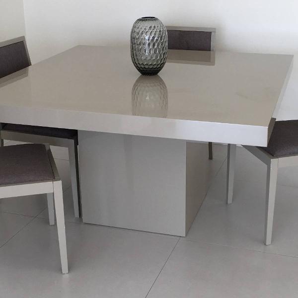Mesa de jantar quadrada com quatro cadeiras - tok & stok