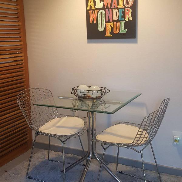 Mesa e duas cadeiras bertoia tok stok