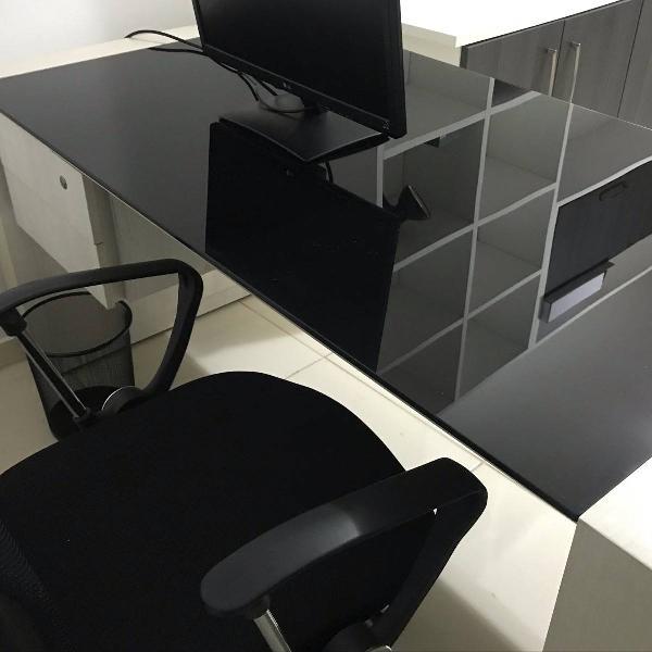 Mesa escritório