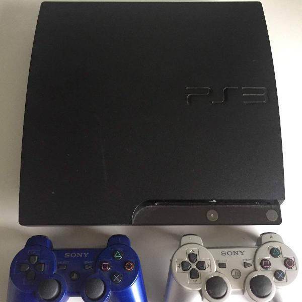 Playstation 3 slim - 320gb + 2 controles + 2 jogos