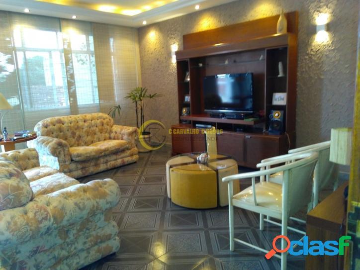 Apartamento em Olaria 197m2 3 quartos (2 suítes), quintal e garagem