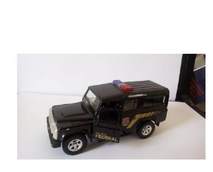 Miniatura land rover defender da polícia federal porta abre
