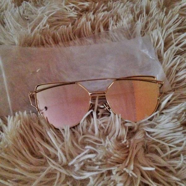 Oculos de sol feminino espelhado