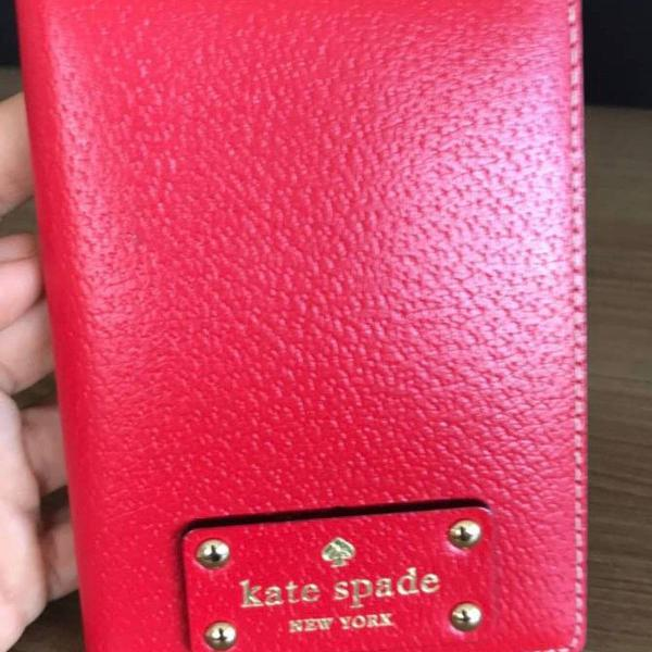 Porta passaporte kate spade