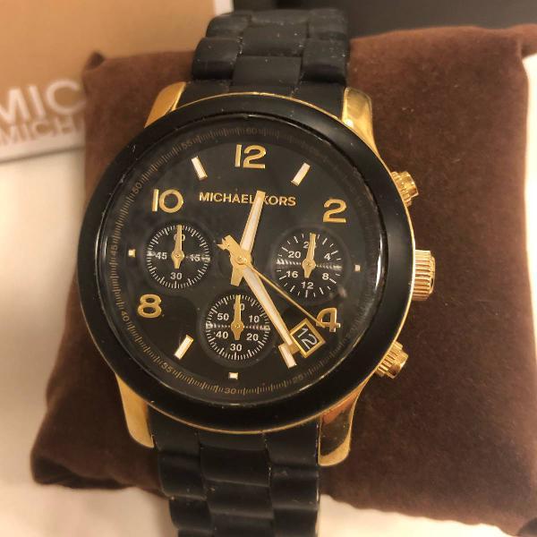 Relógio michael kors preto com dourado modelo mk5191