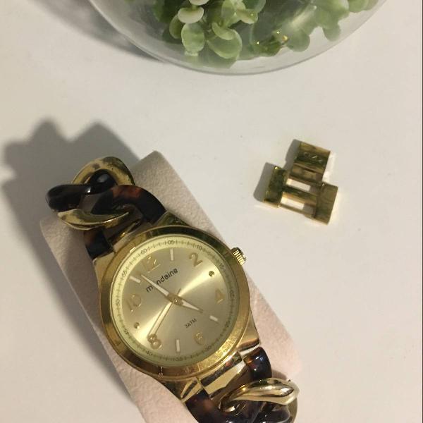 Relógio mondaine marrom e dourado