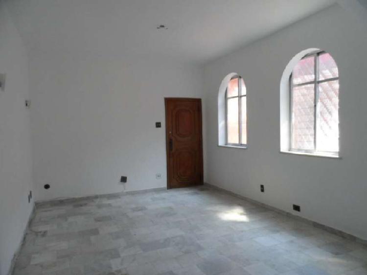 Apartamento com 3 quartos à venda, 135 m² por r$ 550.000