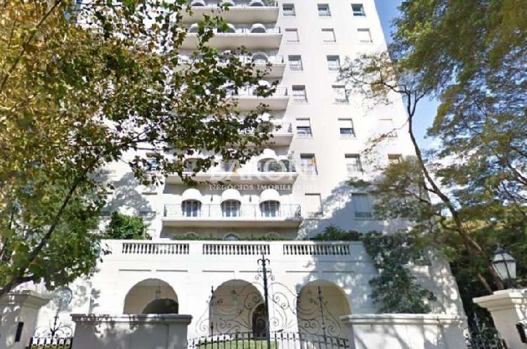 Apartamento com 4 quartos à venda, 750 m² por r$