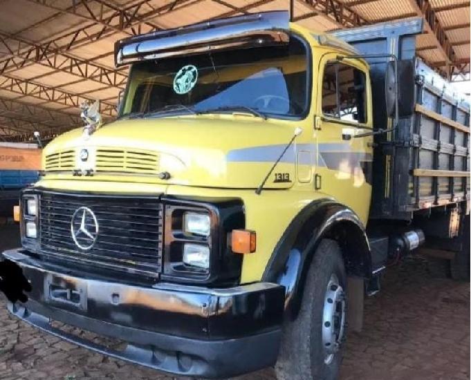 Caminhão mercedes benz 1313
