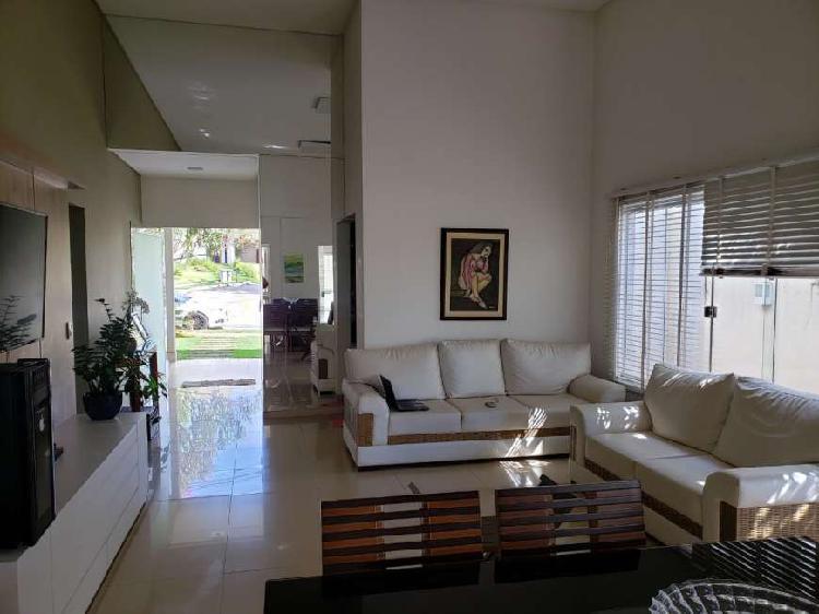 Casa de condomínio com 3 quartos à venda, 206 m² por r$