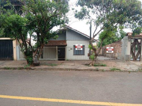 Casa residencial de madeira zona residencial 2 (zr-2) para