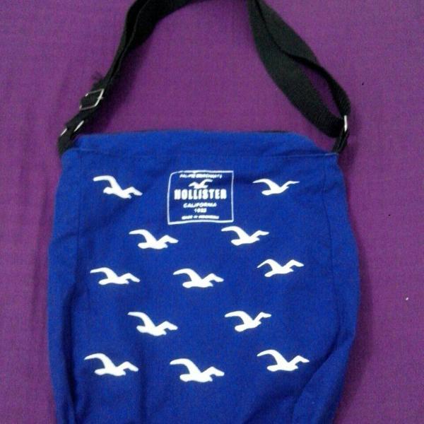Bolsa azul da hollister