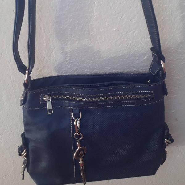 Bolsa azul marinho com detalhes em dourado