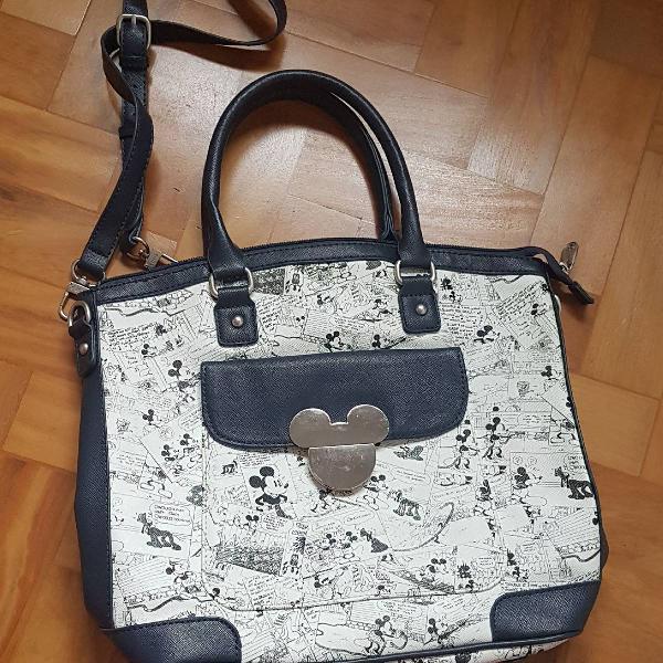 Bolsa em couro com estampa do mickey