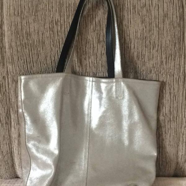 Bolsa metalizada couro