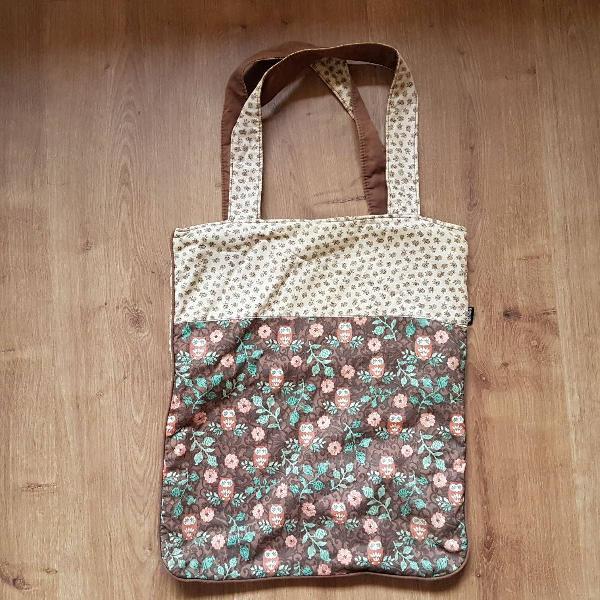 Bolsa, tipo sacola de tecido corujinha