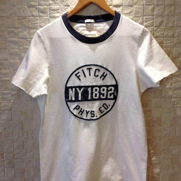 Camiseta branca marinho manga curta
