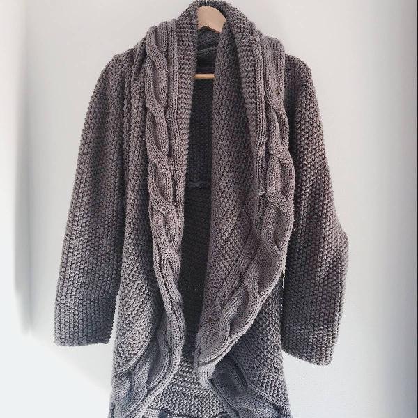 Poncho ou casaco de lã amplo