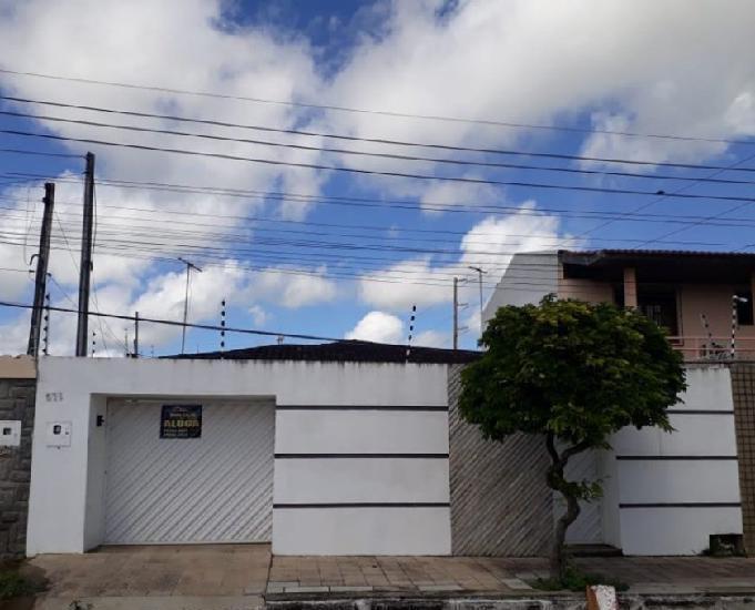 Alugo casa mobiliada bairro baixão