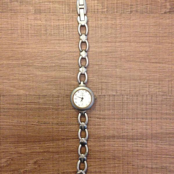 Relógio feminino de pulso prata