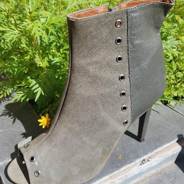 Bota ankle boot verde militar tam 38 em couro