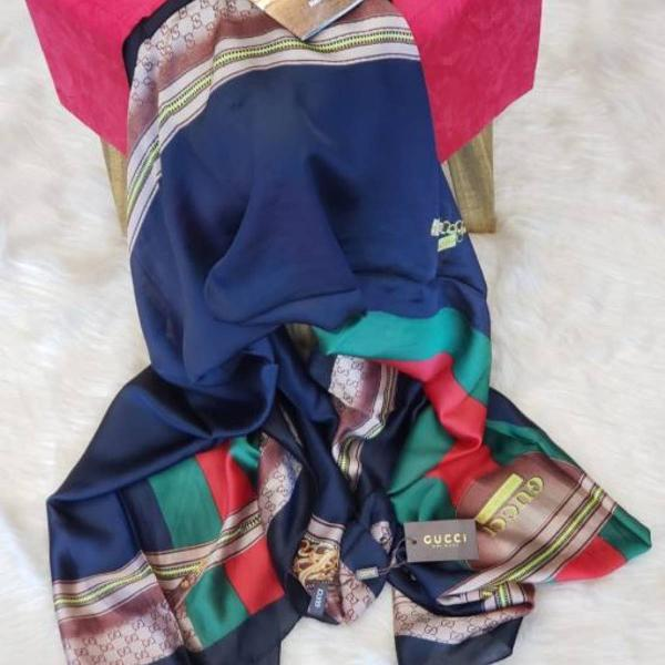 Echarpe seda gucci azul lindo