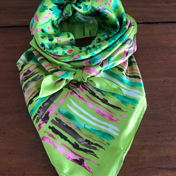 Lenço em cetim de seda, estampado