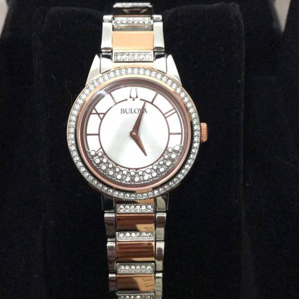 Relógio bulova crystal turnstyle watch