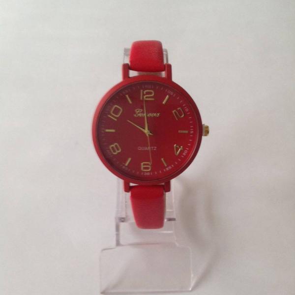 Relógio feminino redondo vermelho