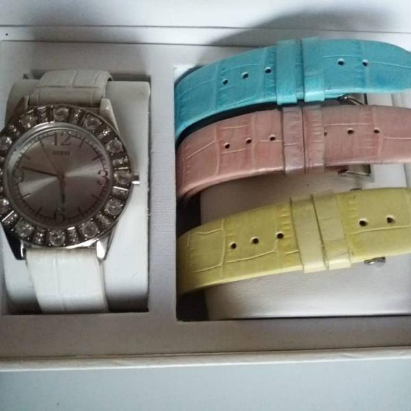 Relógio original guess com 4 pulseiras