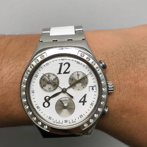 Relógio swatch dreamwhite irony