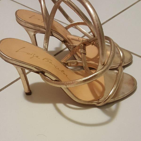 Sandália dourada luiza barcelos