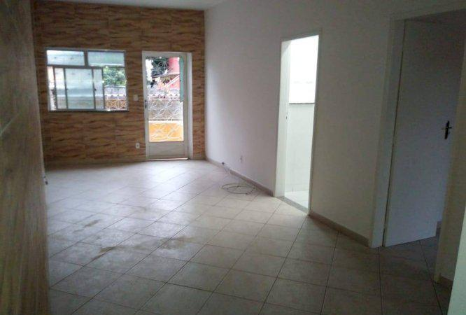 Alugo apartamento em casa de vila 2 quartos meier com