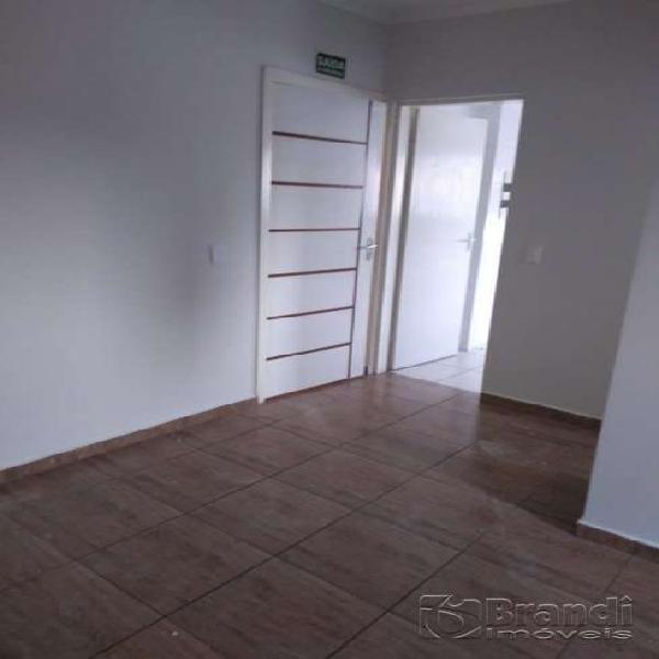 Apartamento com 1 quarto para alugar, 32 m² por r$