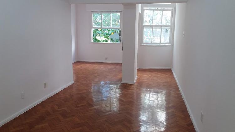 Apartamento com 1 quarto para alugar, 81 m² por r$