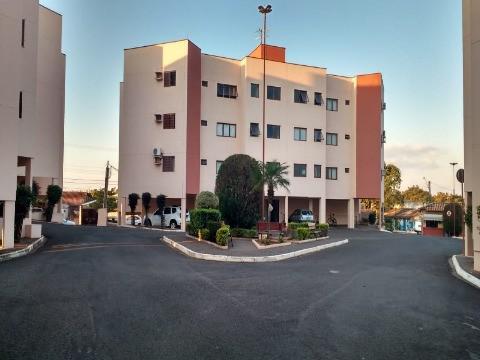 Apartamento com 2 quartos para alugar, 75 m² por r$