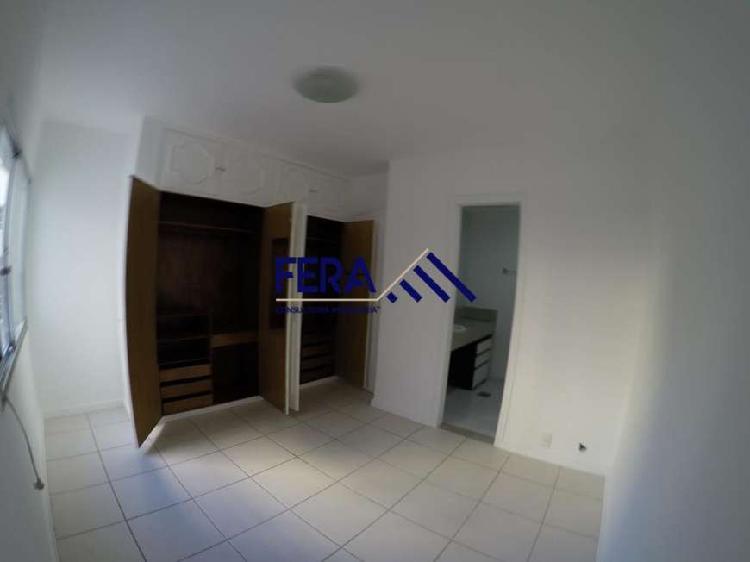 Apartamento com 2 quartos para alugar, 88 m² por r$