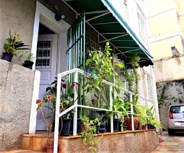 Apartamento com 3 Quartos para Alugar, 60 m² por R$