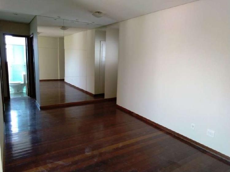 Apartamento com 3 quartos para alugar, 90 m² por r$