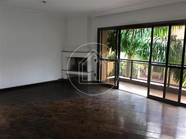 Apartamento com 4 quartos para alugar, 170 m² por r$